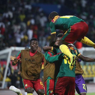 Kamerun juhli Afrikan mestaruusturnauksen välierässä