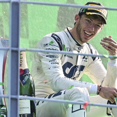 Pierre Gasly ei halunnut lähteä palkintokorokkeelta ensimmäisen F1-voittonsa jälkeen.