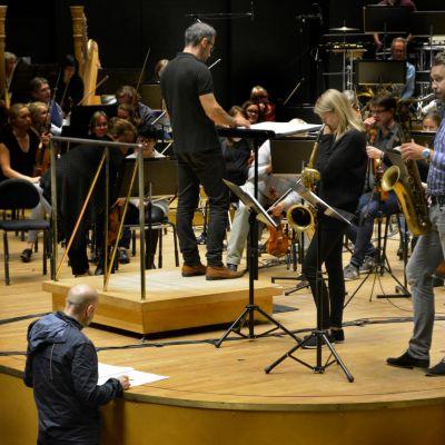 Kerkko Koskinen Lahden Sinfonia-orkesterin kanssa