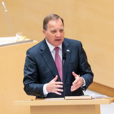 Stefan Löfvenin hallituksen luottamuksesta äänestetään maanantaina, pääministeri kuvattuna valtiopäivillä viime viikolla.