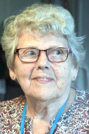 Porträttbild av Clara Johanson.