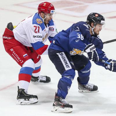 Konstantin Okulov mot Teemu Turunen i en landskamp.