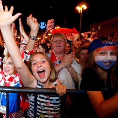 Kroatialaisfaneja Zagrebissa