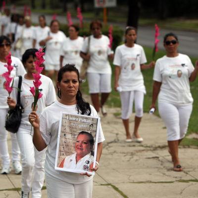 Kvinnor i vitt (Damas de Blanco) demonstrerar i Havanna den 14 oktober 2012.