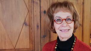 Kirjailija ja kustantaja Kaari Utrio