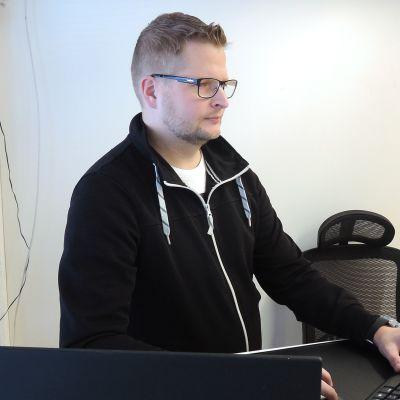 Rakennesuunnittelija Jani Toivanen, Perustava Oy.