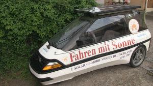 Peter Maier kör med solenergi.