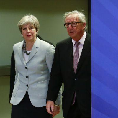 Britannian pääministeri Theresa May ja komission puheenjohtaja Jean-Claude Juncker tapasivat varhain aamulla Brysselissä.
