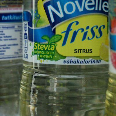 En dryckesflaska innehållande sötningsmedlet stevia.