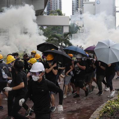 Demonstration i Yuen Long, Hongkong 27.7.2019