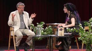 Kirjailija Mihail Šiškin ja kirjailija Sofi Oksanen