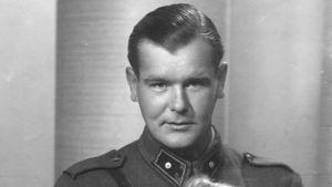 """Författaren Mirjam Tuominens man Torsten """"Totti"""" Korsström, far till Kyra och Tuva. 1940-talet."""