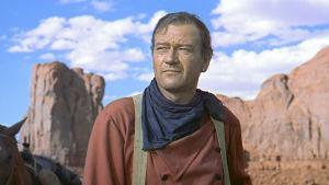 John Wayne elokuvassa Etsijät (1956).