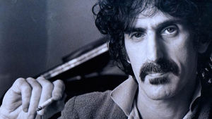 Frank Zappa polttaa