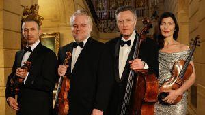Näyttelijänelikko Ivanir (vas.) Hoffman, Walken ja Keener elokuvassa A Late Quartet.