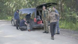 Rengasrikko Eränkävijöiden kuvauksissa Venäjällä
