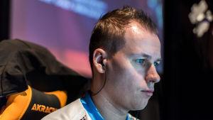 """Slaava """"Twista"""" Räsänen pelaa RCTIC eSportsin CS:GO-joukkueessa"""