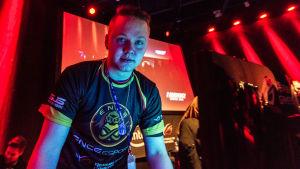 """Miikka """"suNny"""" Kemppi pelaa ENCE eSports -joukkueessa CS:GO:ta"""