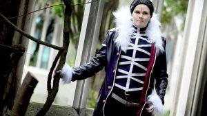 Sandra Westerblad i kostym (Chrollo Lucilfer)