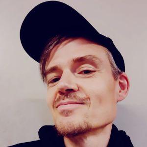 Teppo Mäkynen selfie