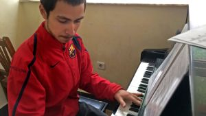 Arsan Parwani är en ung kille som är fascinerad av Mozart.