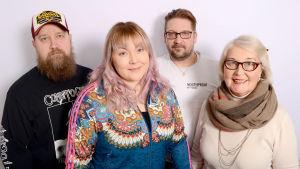 Radiosakin Antti, Siiri, Pete ja Säde ryhmäkuvassa