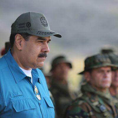 Venezuelas president Nicolás Maduro höll ett tal till soldater på en flottbas i Turiamo, väster om Caracas, på söndagen.