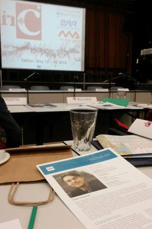 Suomen delegaatin pöytää Kansainvälisessä säveltäjärostrumissa