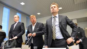 Pekka Perä ja hänen asianajajansa Markus Kokko rovaniemen hovioikeudessa.