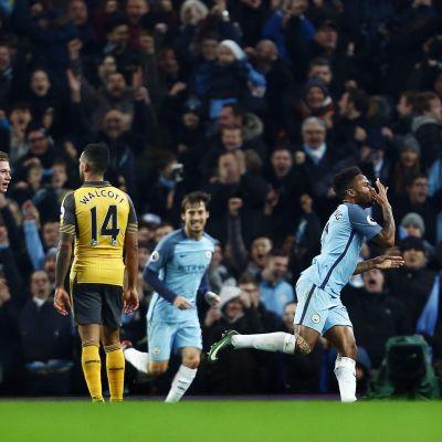 Raheem Sterling firar mål