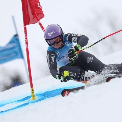 Tessa Worley är en fransk storslalomåkare.