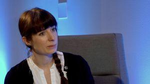 Briony Swire-Thompson jobbar på Northeastern Universitys Network Science Institute i Boston. Hon har bland annat specialiserat sig på hur faktakorrigeringar ska formuleras för att nå personer som inte är benägna att lyssna.