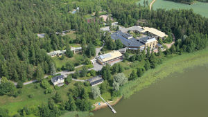 Flygbild över området kring tidigare Raseborgsinstitutet.