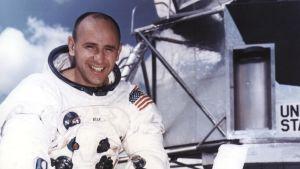 Porträtt på astronauten Alan Bean.