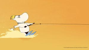 Snorkfröken åker vattenskidor i filmen Muminfamiljen på Rivieran