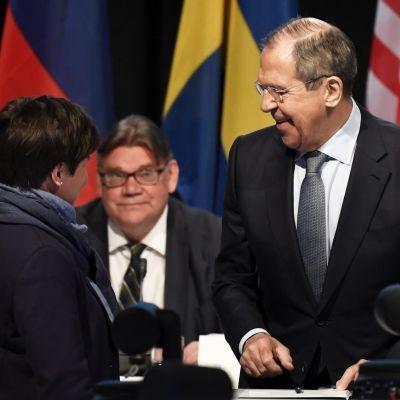 Sergei Lavrov och Timo Soini.