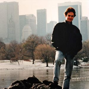 Osmo Rauhala nuorena New Yorkin Keskuspuistossa