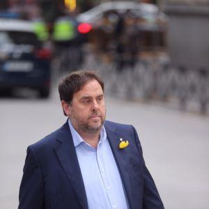 Kataloniens avsatte vicepresident Oriol Junqueras var den första som infann sig i specialdomstolen i Madrid