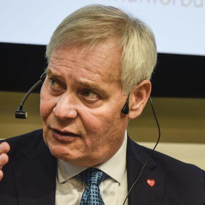 Partiledarna Antti Rinne (SDP) och Petteri Orpo (Saml)