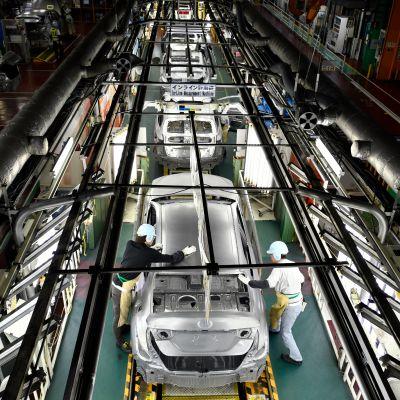 Tuotantoa Toyotan Tsutsumin autotehtaalla Japanissa. Japanin ja EU:n vapaakauppasopimus alentaa japanilaisautojen tuontitulleja.