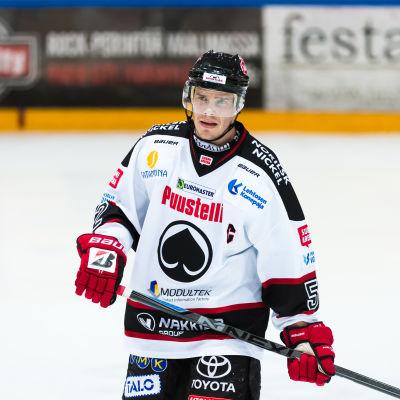 Ville Uusitalo spelade länge i finska ligan i ishockey.
