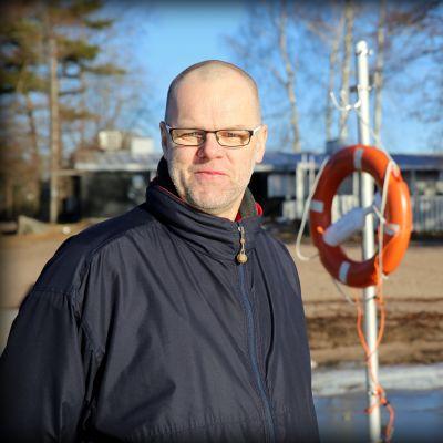 Markku Tamminen on pelastusvene Mikrolog III:n päällikkö. Veneen miehistö palkittiin Vuoden 2016 meripelastajaksi.