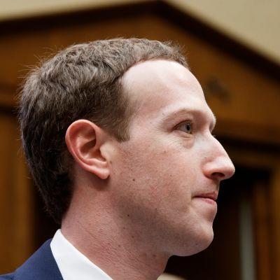 Facebookin toimitusjohtaja Mark Zuckerbergin sivuprofiilikuva
