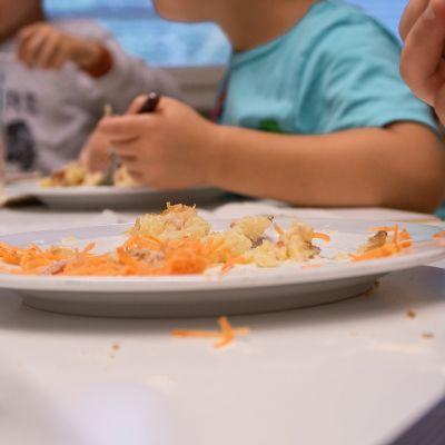 Esikoulu kouluruoka ruokailu ravinto lapset