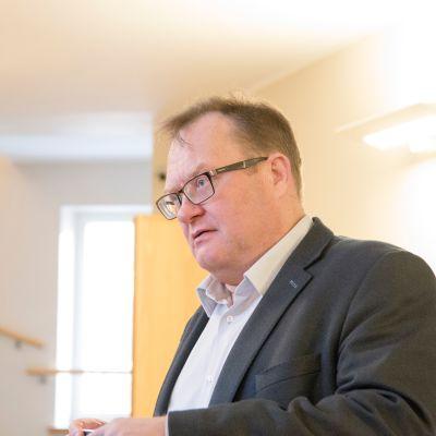 Kittilä-oikeudenkäynnin puolustuksen asianajaja Olli Siponen Lapin käräjäoikeudessa 11. lokakuuta.
