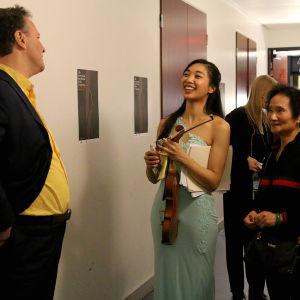 Sakari Oramo tuli onnittelemaan Nancyä. Hän kehui koko suoritusta ja erityisesti Beethovenin sonaattia.