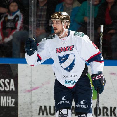 Juhamatti Aaltonen firar mål
