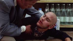 Emilio Estevez ja Dick Rude elokuvassa Repo Man