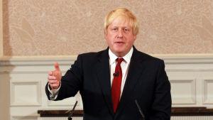 Boris Jonhson meddelar att han inte ställer upp i kampen om partiledarskapet.