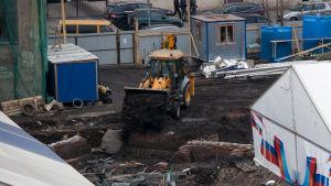 Byggplats där man hittade en historisk massgrav i S:t Petersburg.